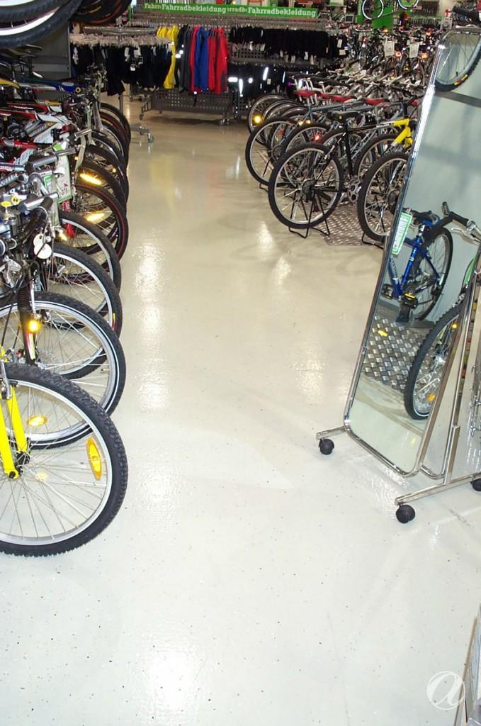 Epoxy podovi - bike shop_21