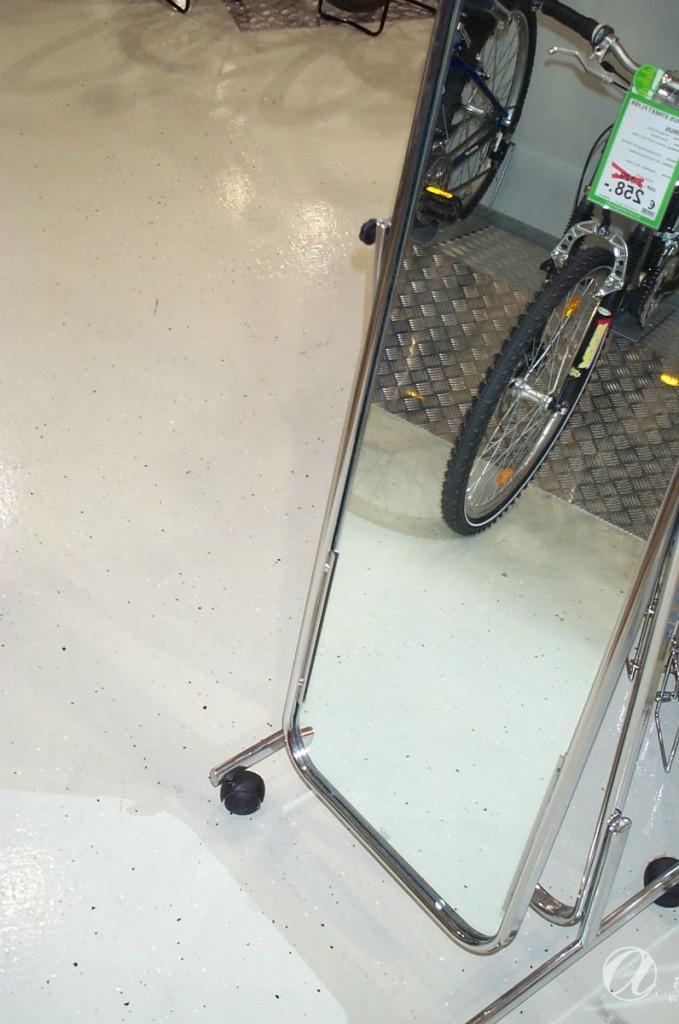 Epoxy podovi - bike shop_22