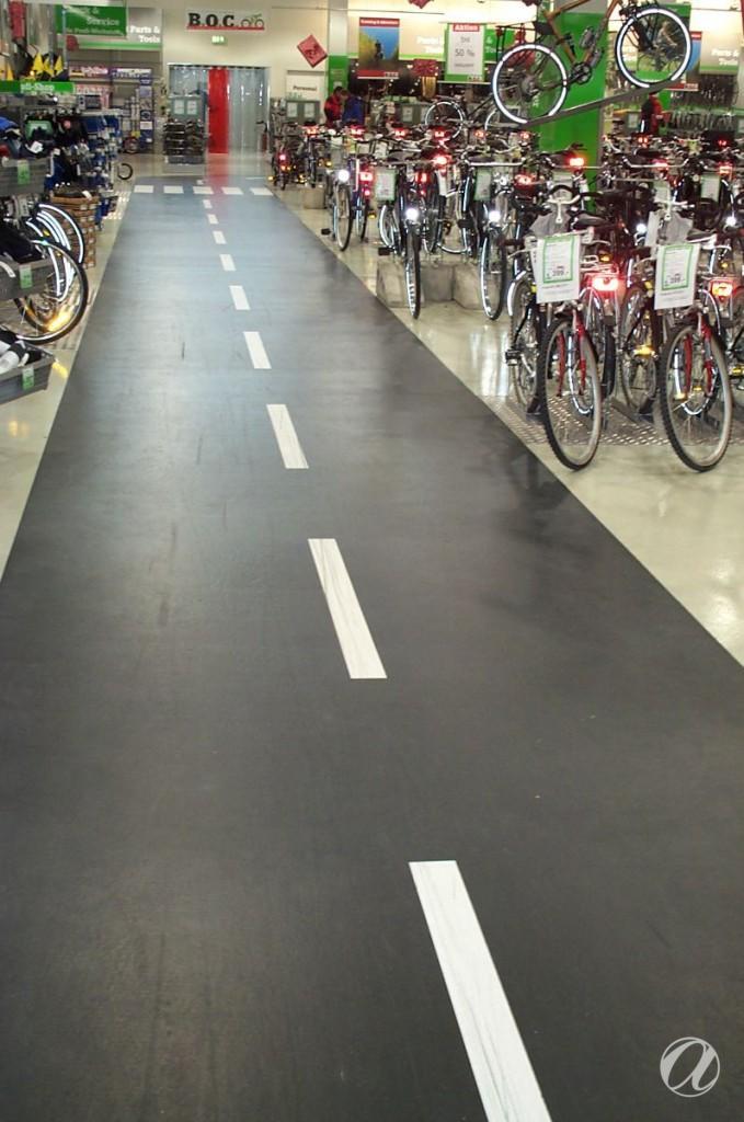 Epoxy podovi - bike shop_23