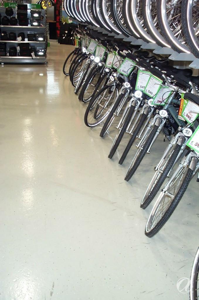 Epoxy podovi - bike shop_25