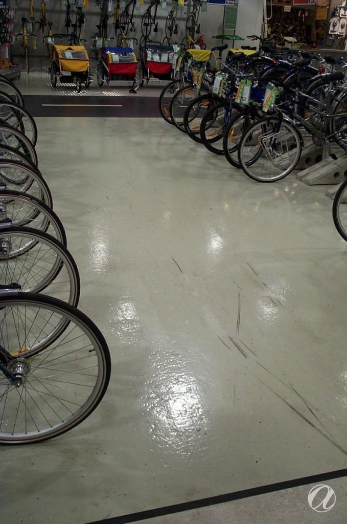 Epoxy podovi - bike shop_26
